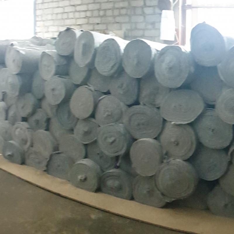 Полотно нетканое серое (180 г/м2), ХПП 1.50х50 м (от 1000 м)